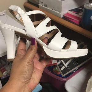 a2145af456a4 Naturalizer Shoes - NIB Naturalizer Pressley White - Size 7W